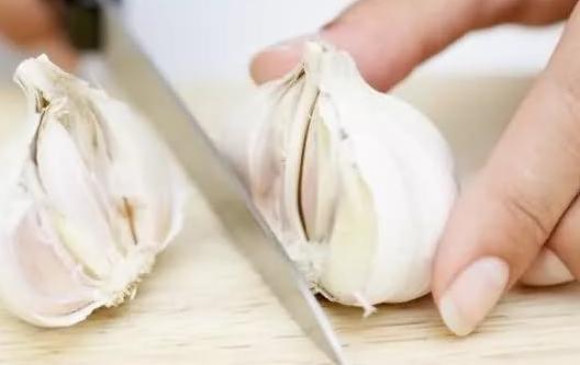 лечение грибка ногтей чесноком